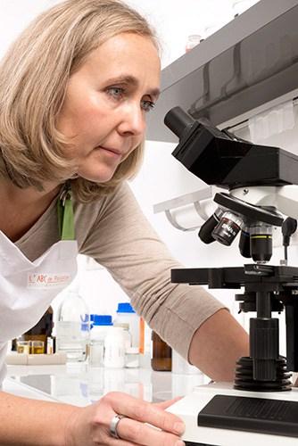 Pascale Besson, biochimiste et créatrice de l'atelier de Pascale à Montélimar