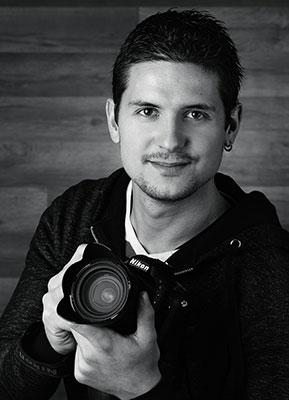 Portrai noir et blanc du photogaphe montilien Edouard Eyrolet