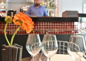 Bar en formica du restaurant Le Moderne à Montélimar