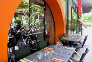 Entrée du restaurant Le Moderne à Montélimar